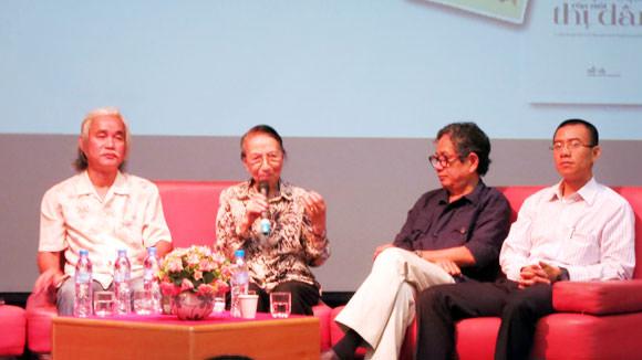 Nhà báo, dịch giả Trịnh Lữ cũng góp mặt tại buổi toạ đàm